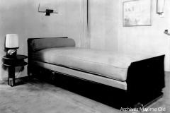 Ruhlmann Lit et table de chevet