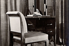 117 Ruhlmann Secrétaire à abattant ouvert