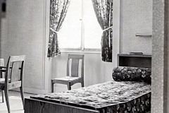 092-3 Ruhlmann Mobilier de chambre à coucher 4/4
